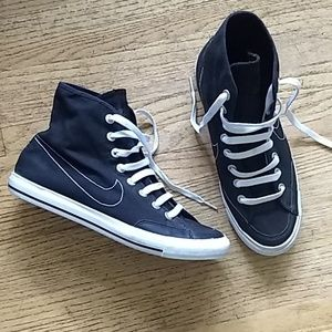 Nike Canvas high tops Size 9